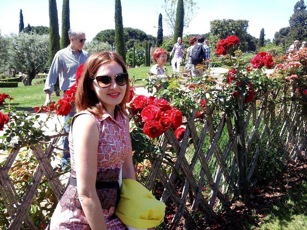 Фестиваль роз парк Сервантес