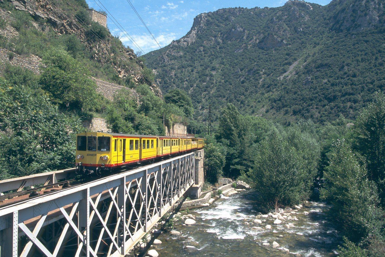 Французские Пиренеи на поезде: поезд Jaune