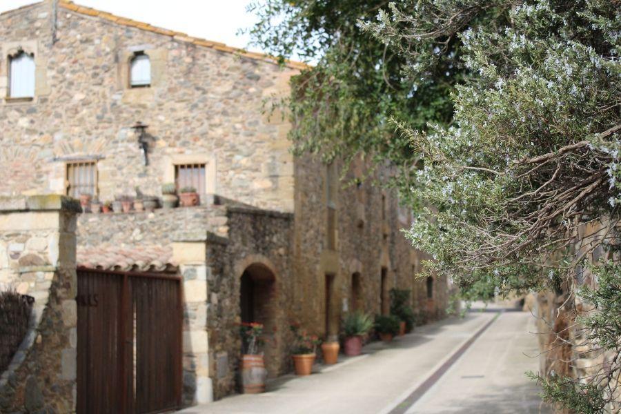 Круйес средневековая деревня Каталония
