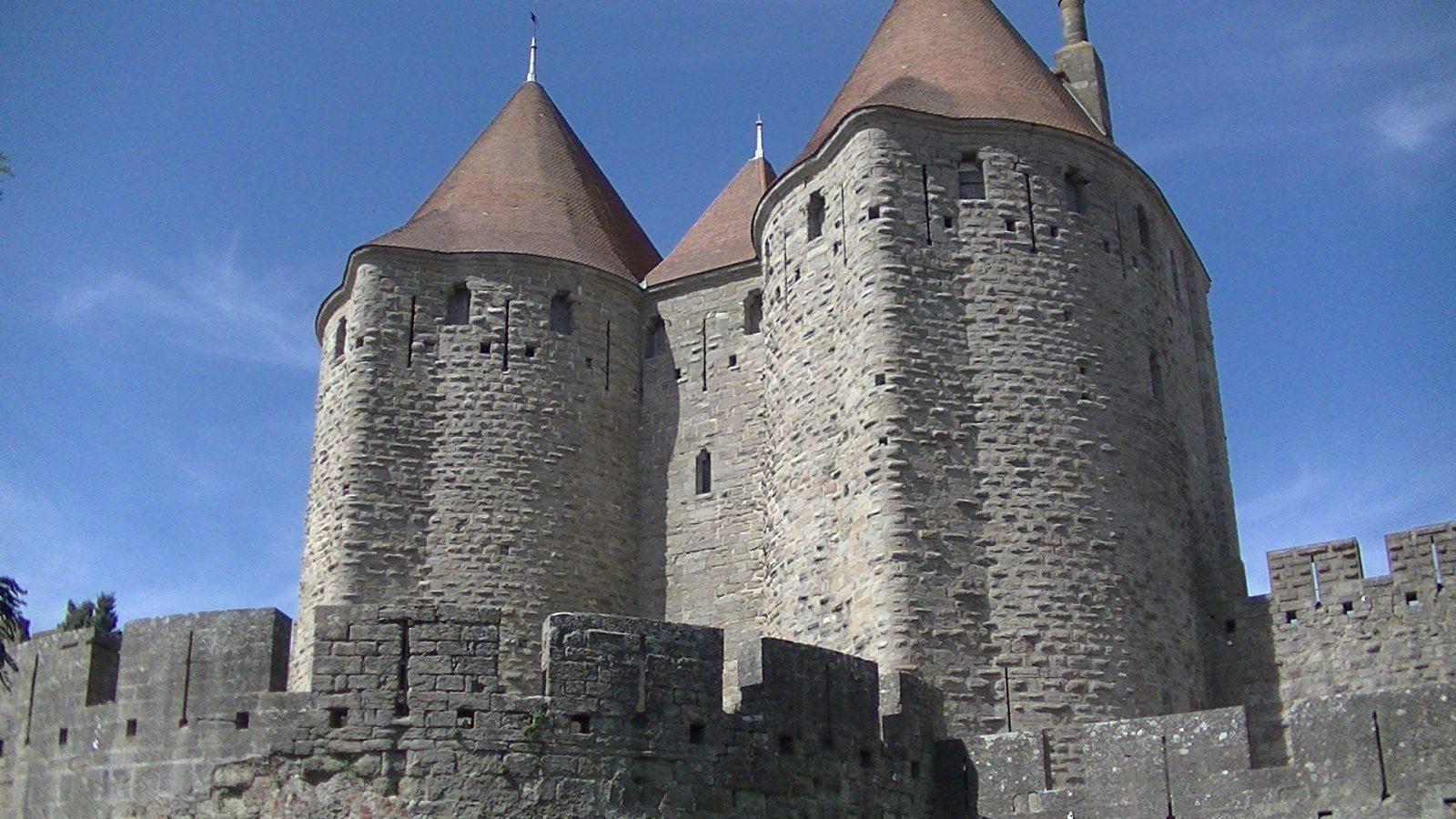 Средневековые крепости Каркасона (Carcassonne) и прогулка по Южному каналу